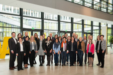 Die Mentees und MentorInnen des 19. Cross Mentoring München zusammen mit dem Cross Consult-Team