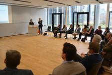 MFF-Initiatorin Dr. Nadja Tschirner, zusammen mit Daniel Just, bei ihrer Rede vor den Führungskräften der BVK.