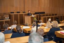 Dr. Nadja Tschirner begrüßt die Gäste seitens Cross Consult